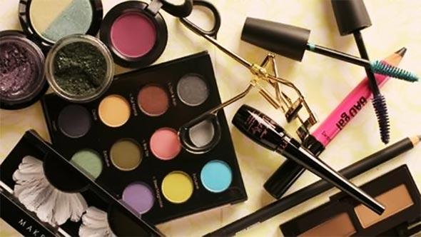 361804 maquiagem estojo pincel rimel sombra Maquiagem da Adele   como fazer passo a passo