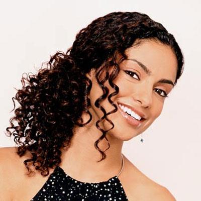 361809 01 Penteados simples para cabelos cacheados   sugestões