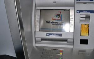 Caixa eletrônico exibe propagandas em vez de cobrar pelo serviço