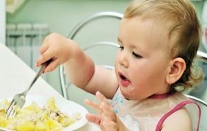 O que fazer para a criança comer nas horas certas 1