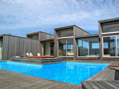 Plantas de casas de dois andares for Casa moderna piscina