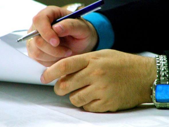 366785 size 590 assinatura de contrato Conheça os seus direitos ao alugar um imóvel