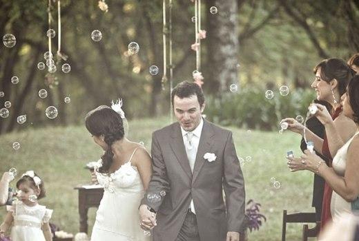 367826 Ideias divertidas para a saída dos noivos da igreja Ideias divertidas para a saída dos noivos da igreja
