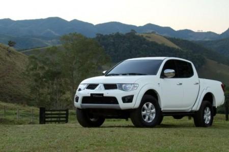 368187 Mitsubishi L200 Triton 2012 1 450x300 Nova l200 Triton 2012 fotos, preços
