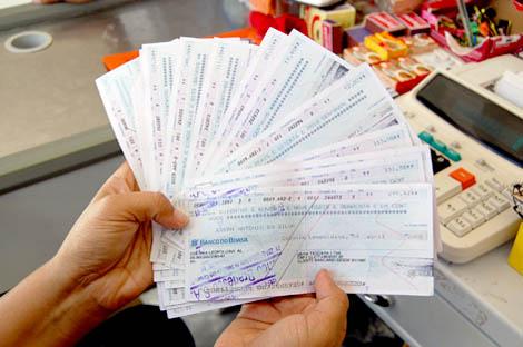 371003 cheques sem fundo O que fazer em caso de cheque clonado