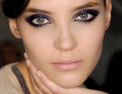 371713 Maquiagem com olhos esfumaçados para balada2 Maquiagem com olhos esfumaçados para balada