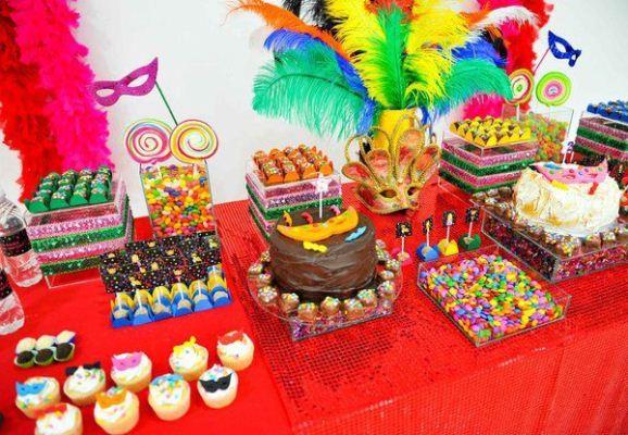 372207 Decoração para festa de Carnaval ideias fotos como fazer 21 Decoração para festa de Carnaval   ideias, fotos, como fazer