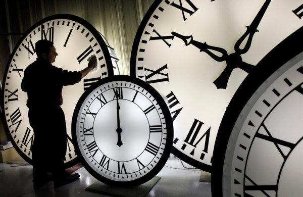 372435 relogios Como funciona o banco de horas
