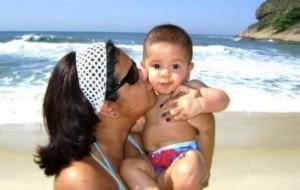 Cuidados necessários com o bebê na praia