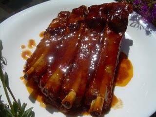 376745 costela de porco assada com molho Receita de costelinha de porco assada