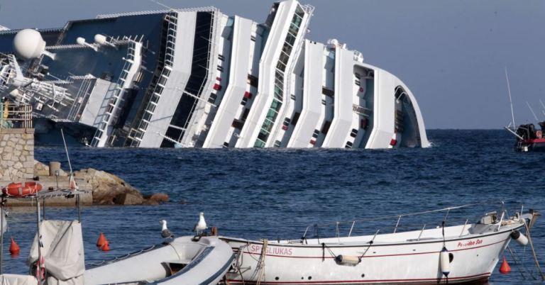 377340 fotos do naufragio do cruzeiro costa concordia na italia 4 Fotos do Naufrágio do Cruzeiro Costa Concordia na Itália