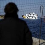 377340 fotos do naufragio do cruzeiro costa concordia na italia 46 150x150 Fotos do Naufrágio do Cruzeiro Costa Concordia na Itália