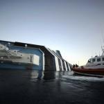 377340 fotos do naufragio do cruzeiro costa concordia na italia 47 150x150 Fotos do Naufrágio do Cruzeiro Costa Concordia na Itália