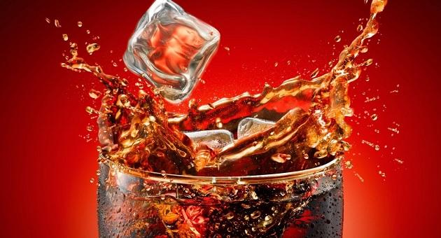 377646 copo de refrigerante 1280x800 Refrigerante reúne maior quantidade de gordura ao redor dos órgãos