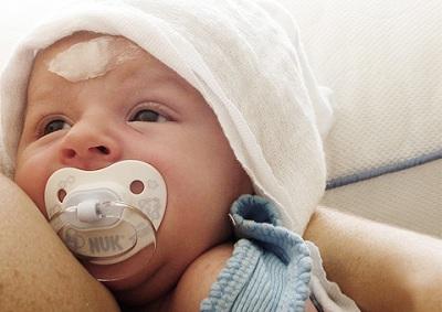 378619 Como tratar o soluço do bebê 2 Como tratar o soluço do bebê