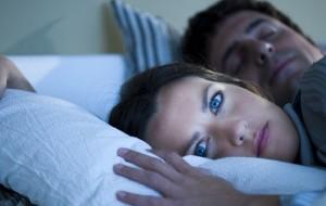 Solidão pode causar problemas de sono, segundo estudo