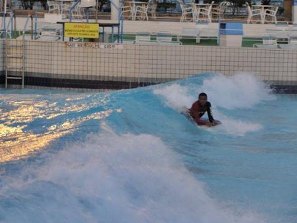 380374 campeonato de surf na wave lagoon wetn wild Parque aquático Wet'n wild: fotos, ingressos, preços