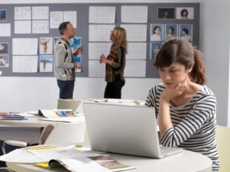 383299 Sugestões de temas para TCC na área de Comunicação Social 1 Sugestões de temas para TCC na área de Comunicação Social 2012