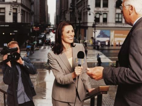 383299 Sugestões de temas para TCC na área de Comunicação Social Sugestões de temas para TCC na área de Comunicação Social 2012