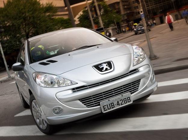385104 peugeot 207 hb 2012 fotos precos 8 Peugeot 207 HB 2012: Fotos e Preços