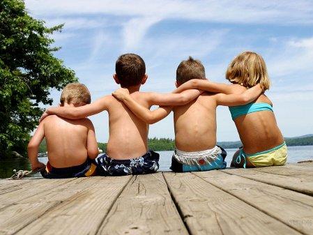 385447 Como ajudar a criança a fazer amigos 2 Como ajudar a criança a fazer amigos