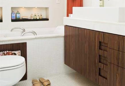 386043 banheiros pequenos com banheiras 6 Banheiras de hidromassagens pequenas: modelos, preços