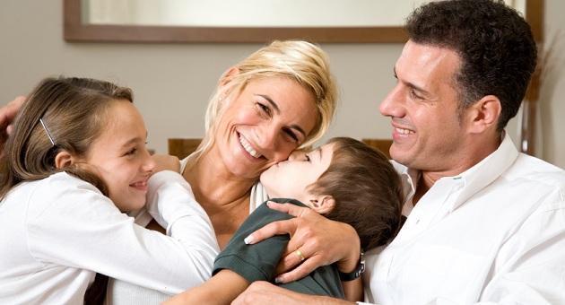387977 happy family Crianças criadas com amor possui hipocampo maior que outras