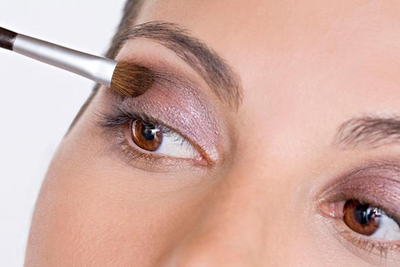 389201 Sedu%C3%A7%C3%A3o e beleza com maquiagem etnica Maquiagem étnica: como fazer