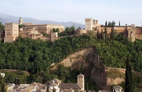 389904 800px Alhambra view Granada Espanha Lugares românticos: fotos