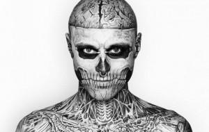 Maquiagem que cobre tatuagem