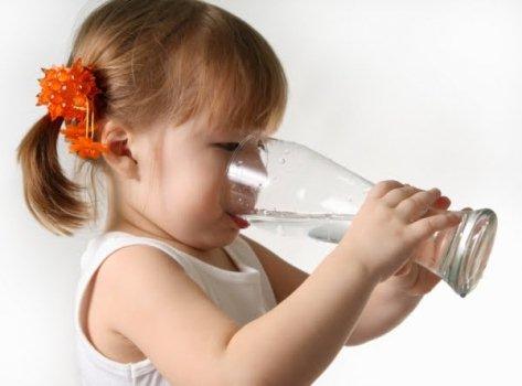 392700 A desidratação infantil é um problema mais frequente do que se imagina Desidratação infantil: o que fazer, como evitar