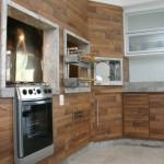 393104 churrasqueira revestida em madeira 150x150 Revestimento para churrasqueira: dicas