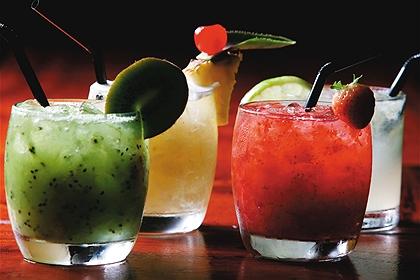394018 Receitas para o verão Bebidas com saquê Receitas para o verão: bebidas com saquê
