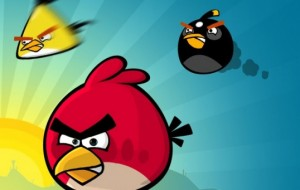 Jogue Angry birds no facebook