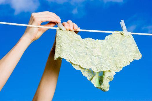 397449 lingerie lunna Os perigos de secar calcinhas no banheiro