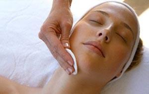 Limpeza de pele: importância, benefícios