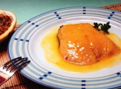 401982 Receita de salmão assado ao molho de maracujá 3 Receita de salmão assado ao molho de maracujá