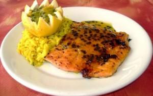 Receita de salmão assado ao molho de maracujá