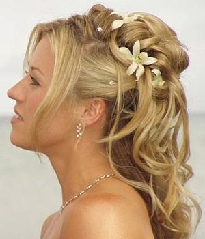 403717 cabelos longos e solatos deixam a noiva mais jovem e chique Penteados com cabelos soltos para noivas: dicas