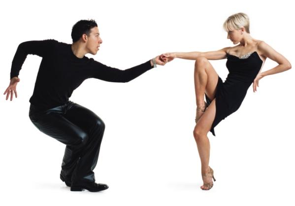 405033 A dança de salão tem um gasto de 300 calorias por aula Danças que ajudam a queimar calorias