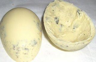 405677 ovo de p%C3%A1scoa crocante feito em casa voc%C3%AA escolhe o sabor Receita de ovo de Páscoa crocante