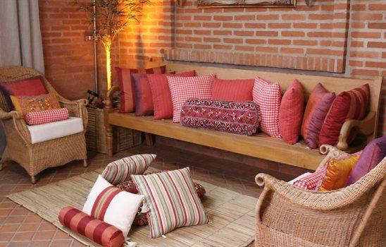 407830 Decoração com almofadas no chão dicas fotos Decoração com almofadas no chão: dicas, fotos