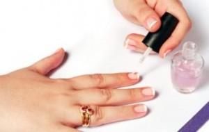 Como pintar as unhas em casa: dicas, como fazer