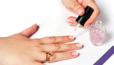 408193 Como pintar as unhas em casa dicas como fazer 1 Como pintar as unhas em casa: dicas, como fazer