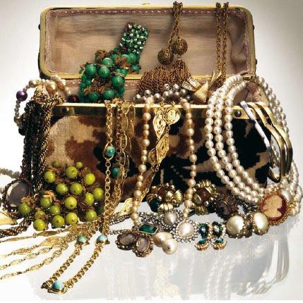 408479 joias Joias e bijuterias: como organizar, cuidados