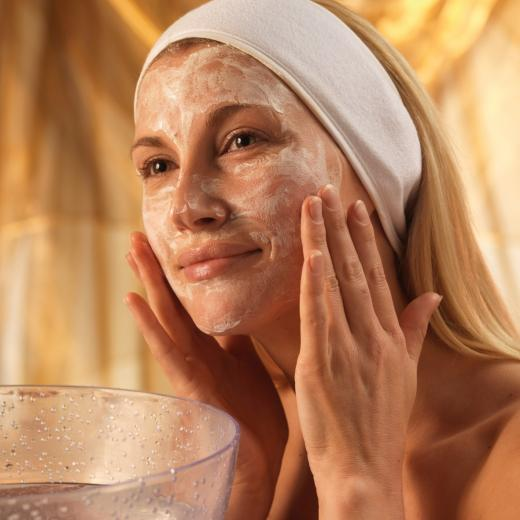 409975 Mascara caseira para o rosto2 Máscara facial caseira: como fazer, receitas