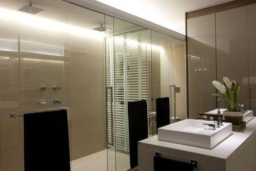 DECORAÇÃO DE BANHEIRO COM CORES NEUTRAS -> Banheiro Decorado Com Vaso Cinza