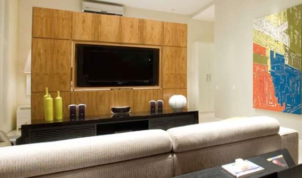 Foto De Sala Decorada Com Tv Na Parede ~ 410294 Sala decorada com madeira dicas sugestões 1 Sala decorada com