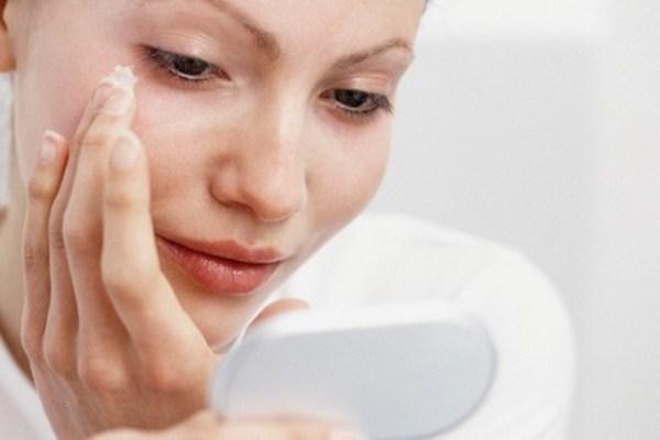 414180 Os tratamentos contra rugas e sinais de expressão ganharam mais um aliado Botox natural de veneno de abelha