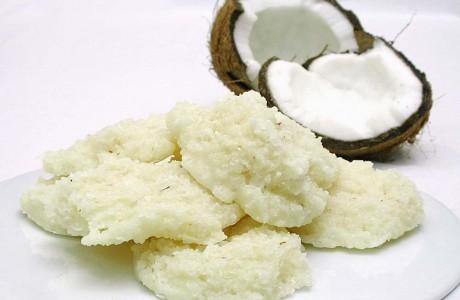 414425 A cocada é um doce muito apreciado pelos brasileiros. Receitas de cocada cremosa